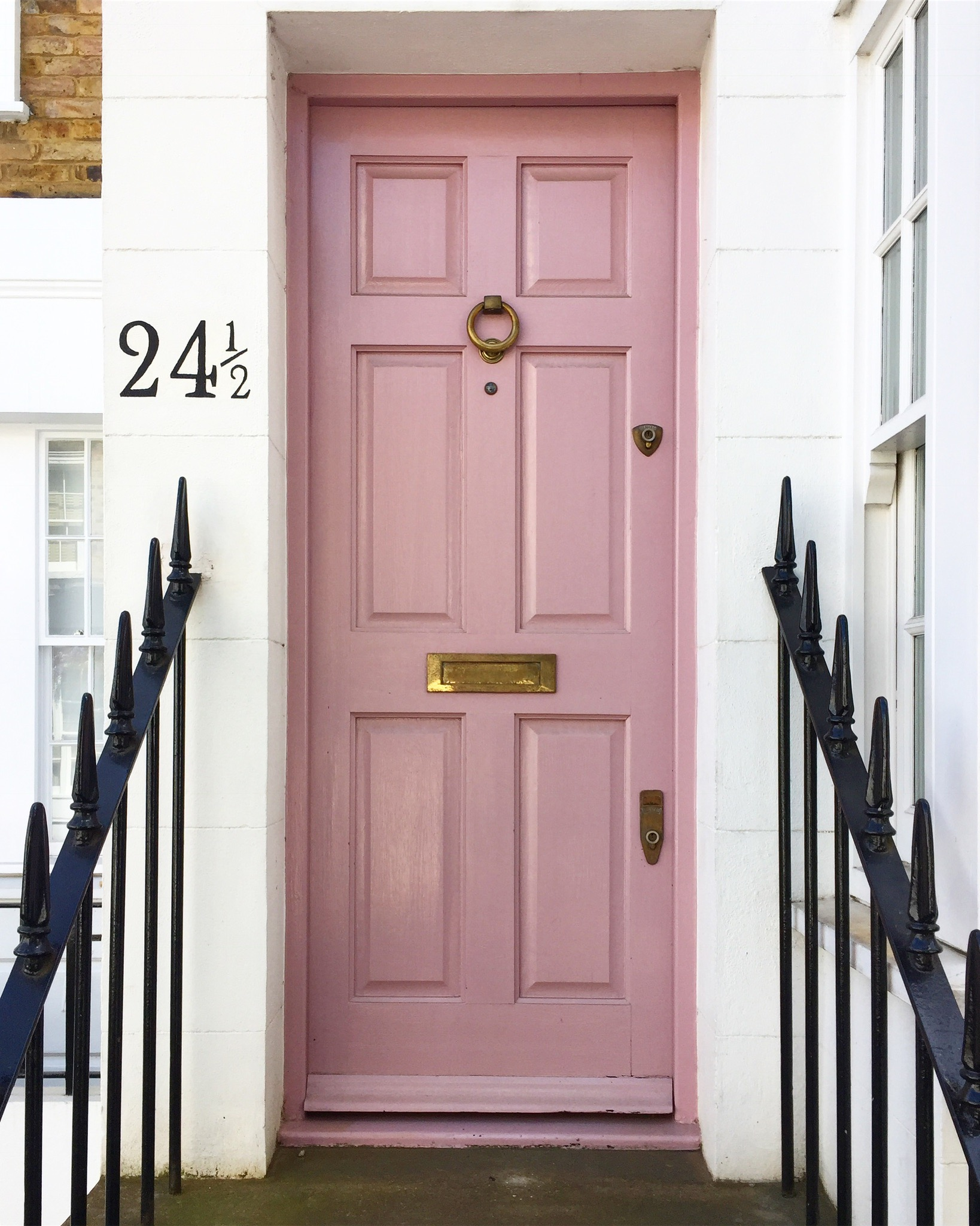 The top 8 pink doors of London – London is Pink