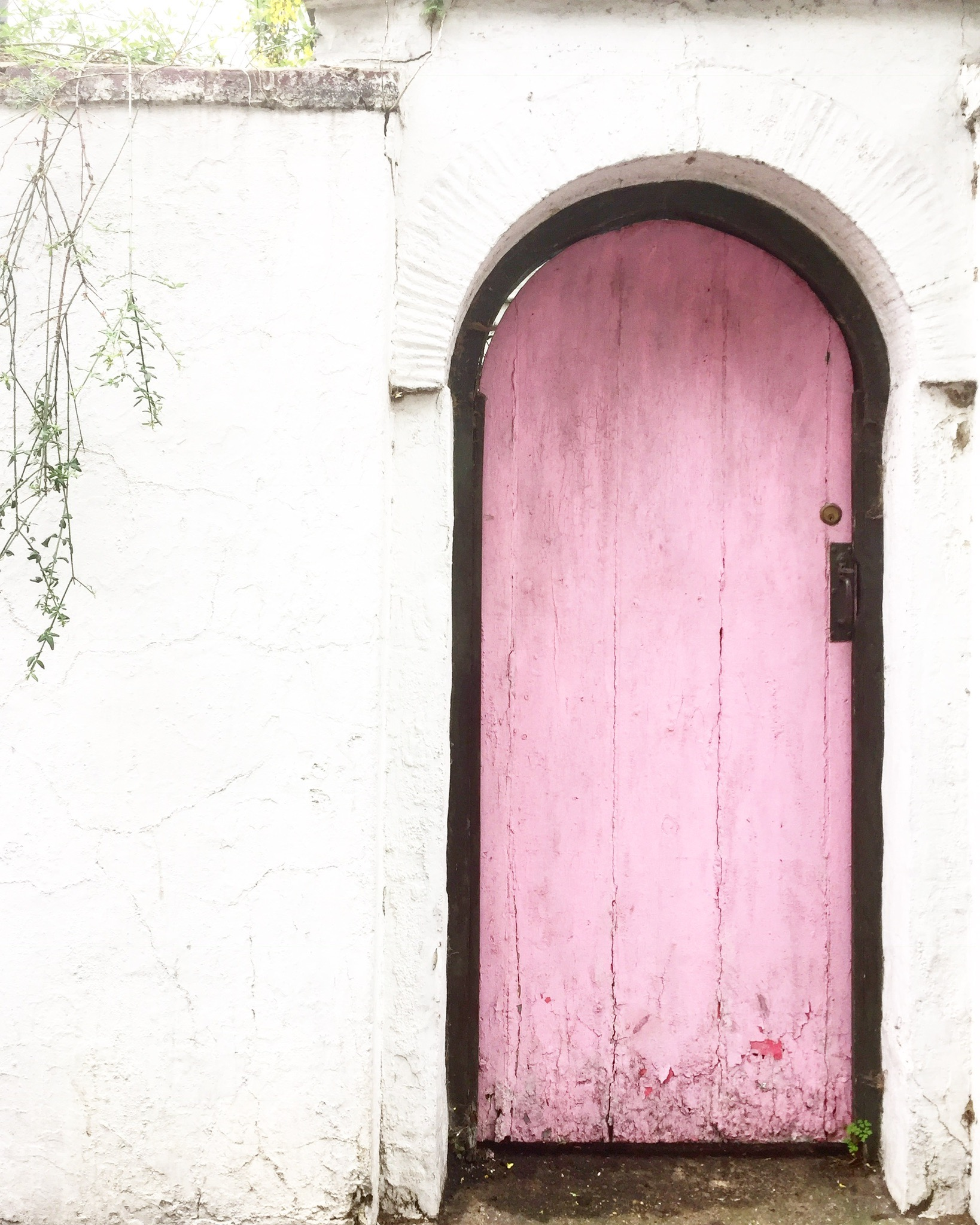 Ok this door is a bit of a wild card! Itu0027s not what you think of when you think of gorgeous perfect London houses but what can I say u2013 I think ... & The top 8 pink doors of London u2013 London is Pink